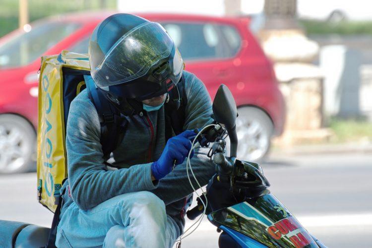 Pourquoi devez-vous équiper votre moto d'un GPS?